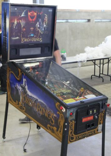 Lord of the Rings pinball cabinet